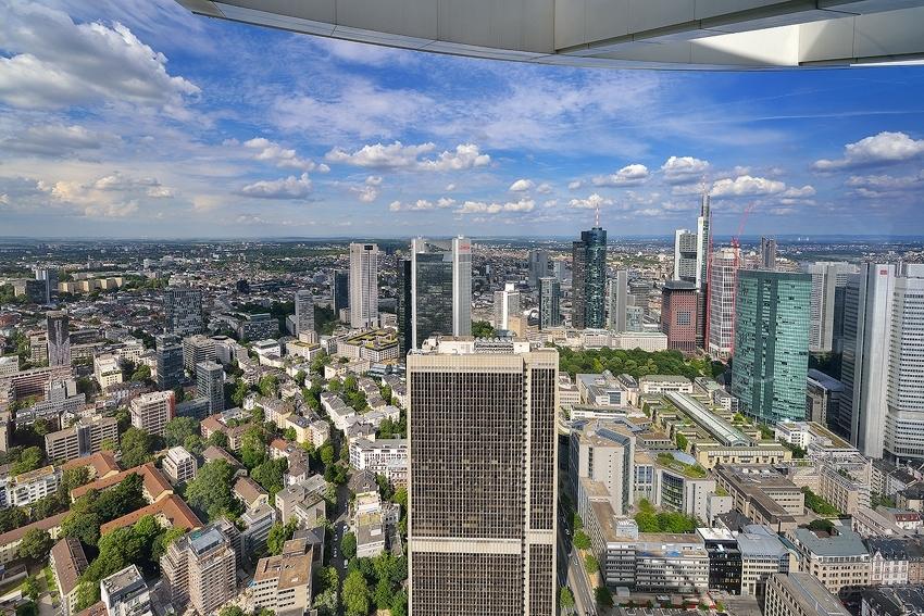 Frankfurt under the crown [no. 1996]