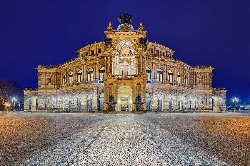 Dresden - Semperoper [No. 2111]