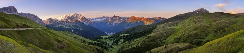 Sonnenaufgang am Sellajoch - Panorama [no. 1330]